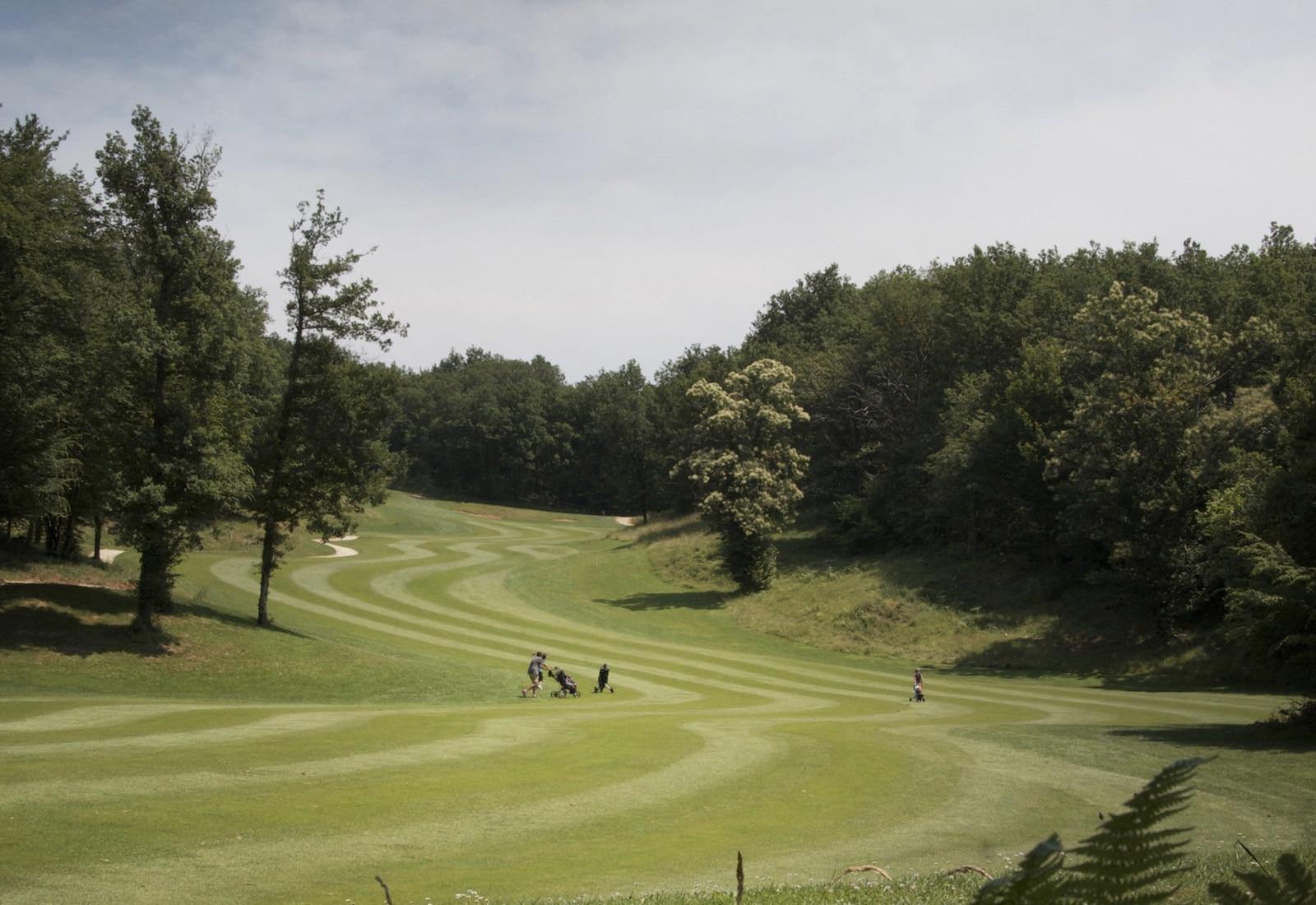 golf de toulouse seilh two 18 hole golf course near toulouse france. Black Bedroom Furniture Sets. Home Design Ideas
