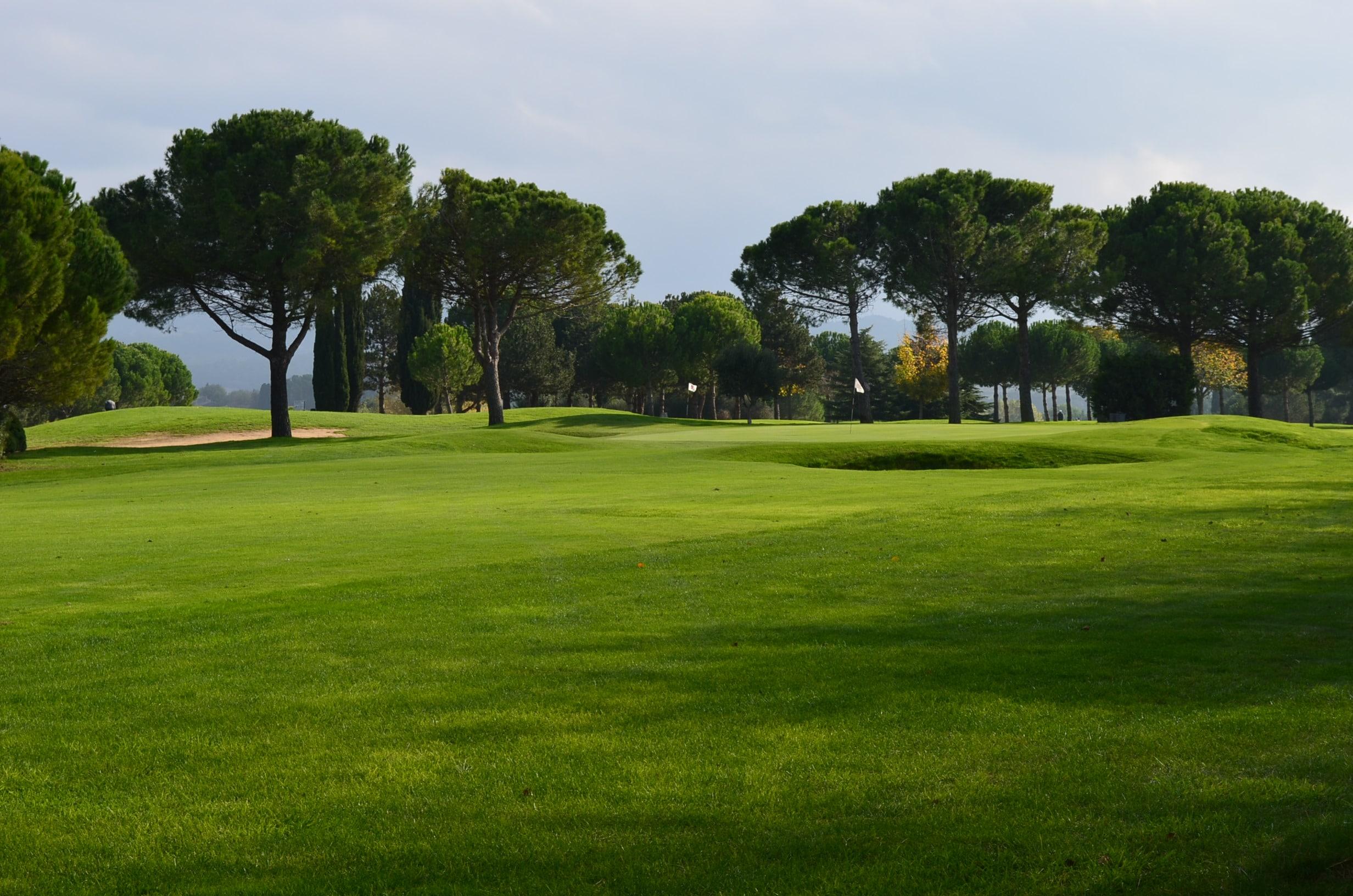 golf club de carcassonne golf in south of france next golf. Black Bedroom Furniture Sets. Home Design Ideas