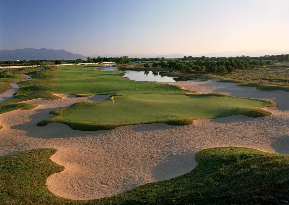 El tigre golf - golf in Mexico