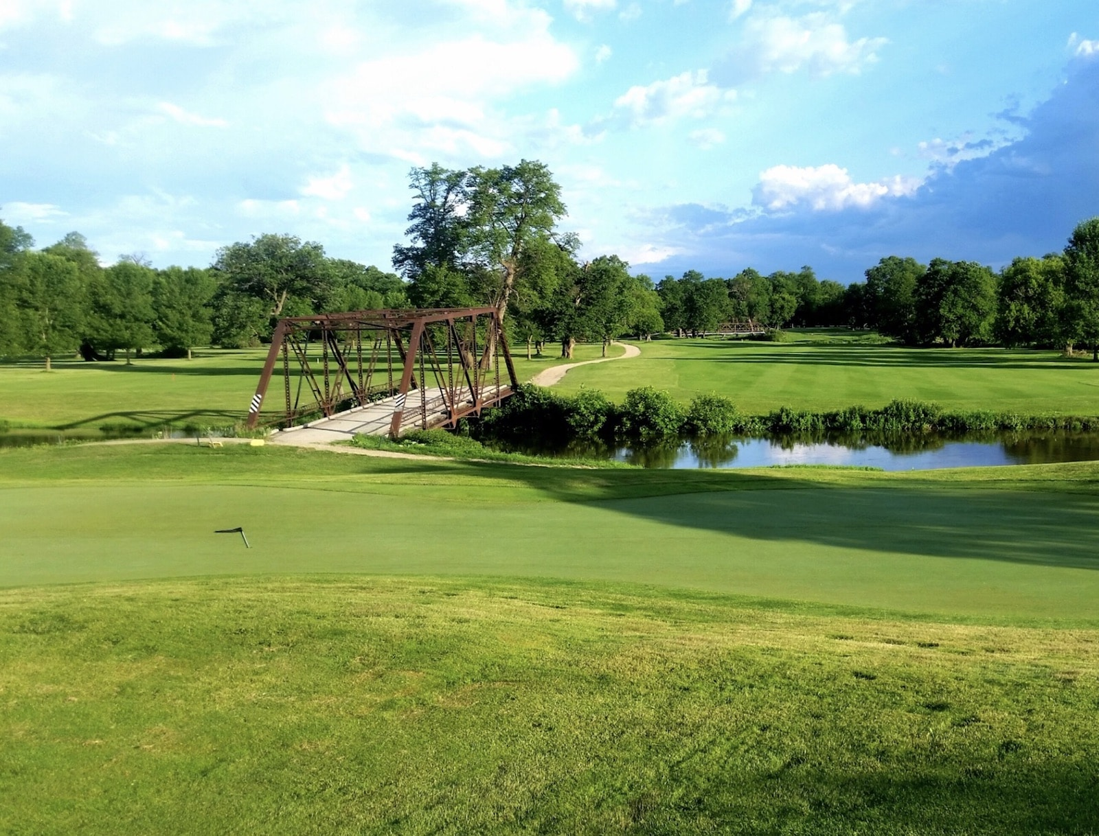 Whispering Oaks Golf Club