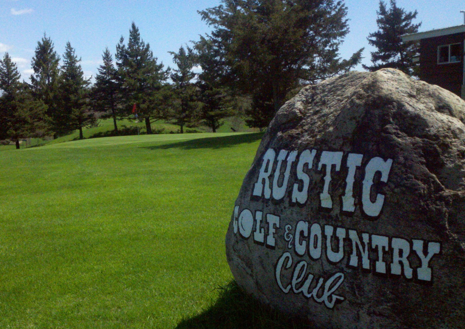 Rustic Golf & Country Club