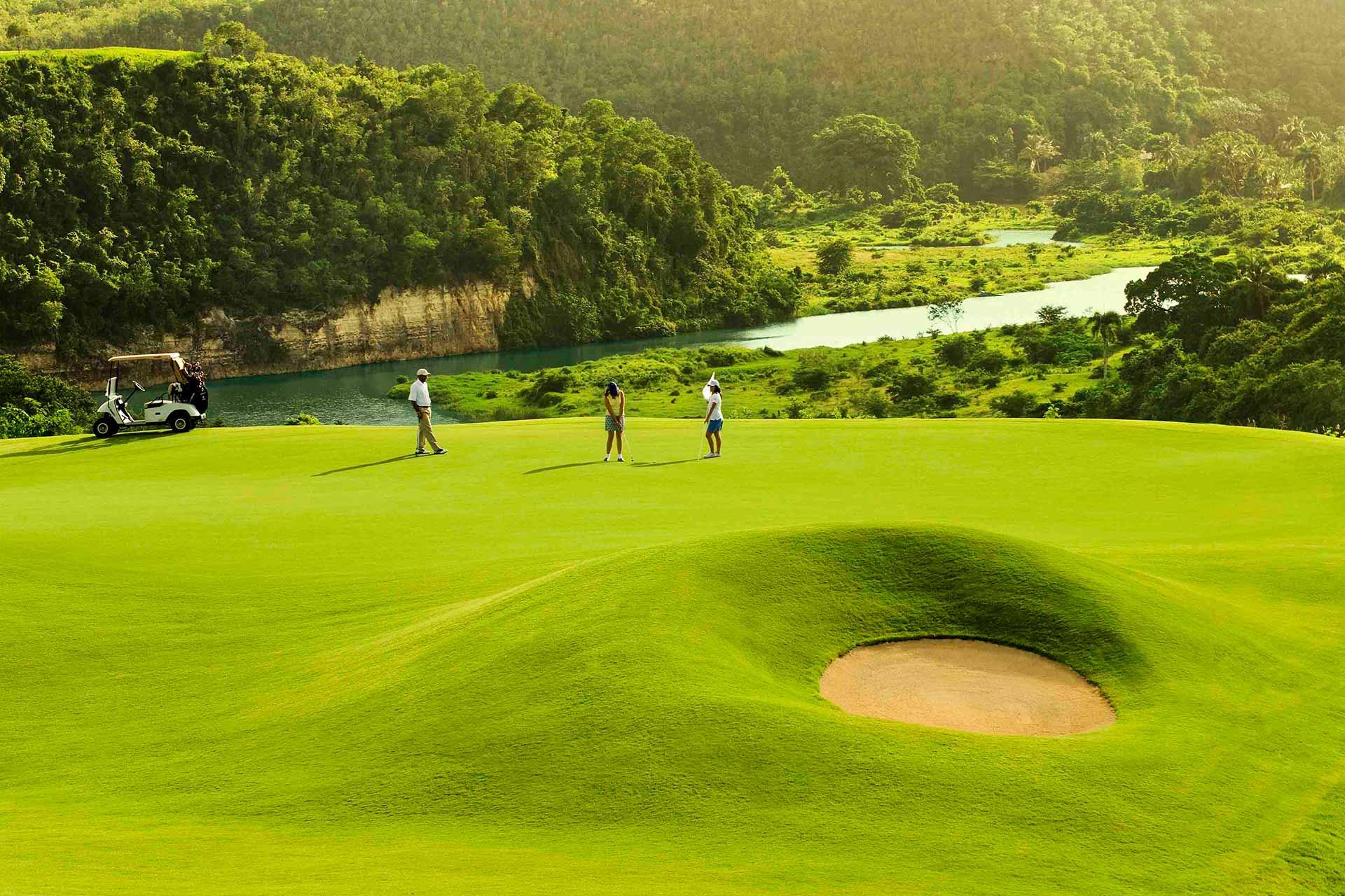 La Estancia Golf Resort